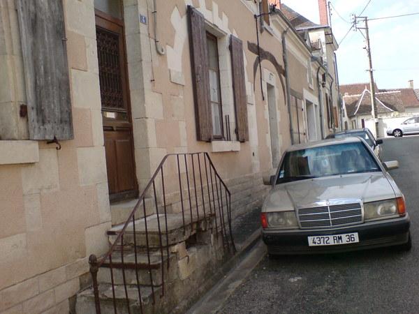 古老的小巷,古董賓士