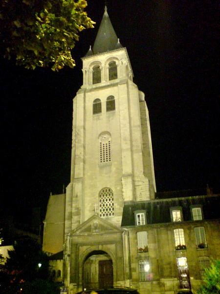 晚上特別顯眼的St Germain教堂