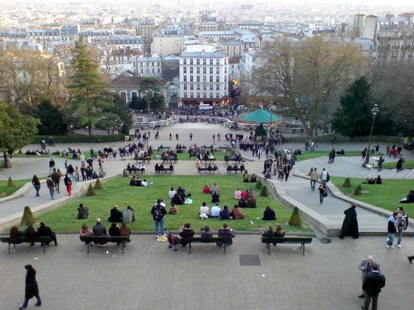 巴黎人在下午會來散布...