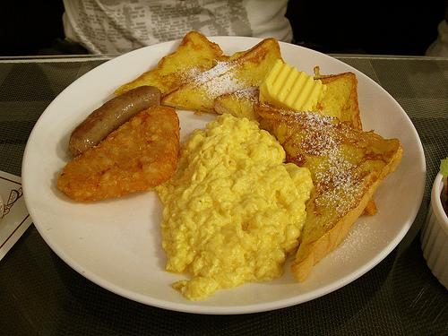 法式土司加炒蛋