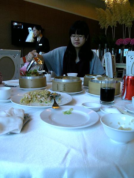 10-12-25中僑飲茶