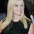 Reese-Witherspoon-attends-the-premiere-of-This-Means-War-in-London_2
