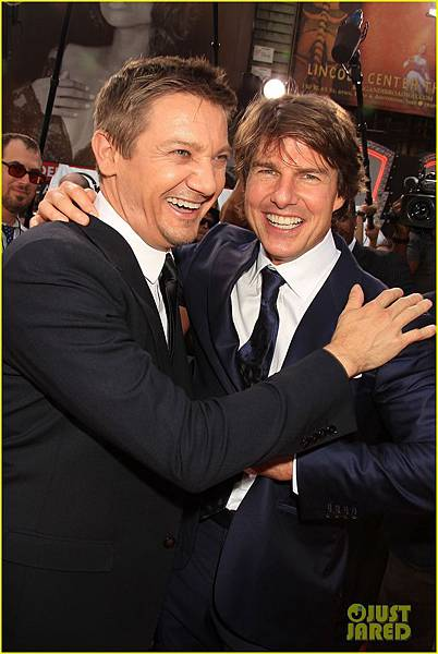 tom-cruise-jeremy-renner-mission-impossible-premiere-04.JPG
