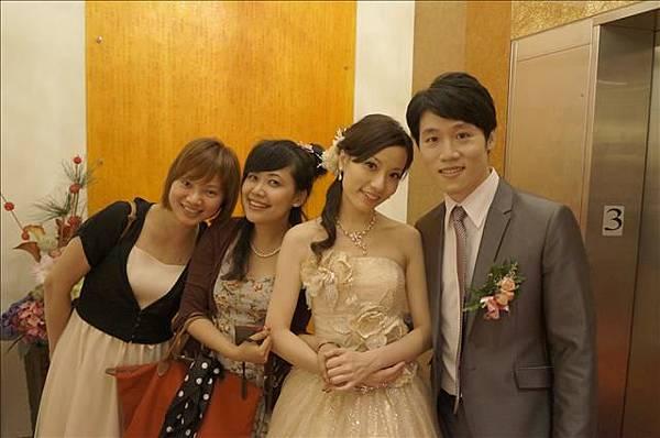 新娘子很漂亮