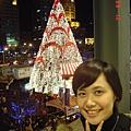 跟去年一樣的聖誕樹嗎?
