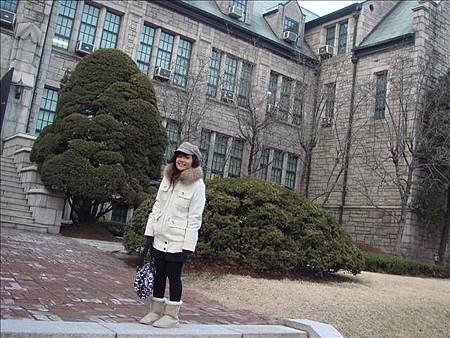 是美麗的梨花女子大學!