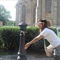 聖巴巴拉教堂前打水