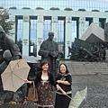 二次大戰紀念雕像(整天在下雨)