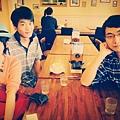 2/4和大哥&何博士吃尼克咖啡~好快又一年不見了!