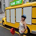 老公今天很好一直幫我拍,我說我要拍這台巴士,結果看下張!!