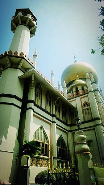 最大的清真寺我只好幫它獨照