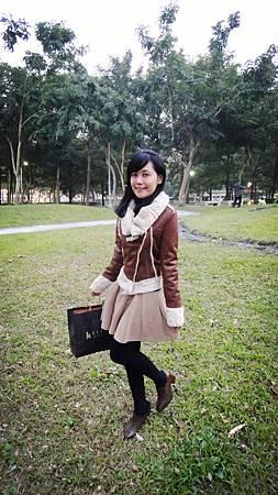 1/8 去欣欣影城看甜蜜殺機特映會~ 還買了新外套跟一洋裝!