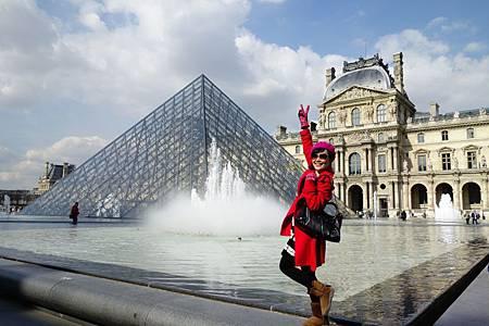 巴黎俗覺得興奮哈哈哈