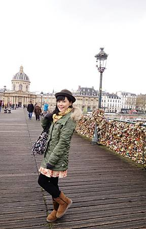 Pont des Arts拍一百張