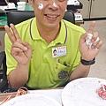 4/9 師父生日大快樂!!! 謝謝你請的草莓蛋糕超好吃的!!