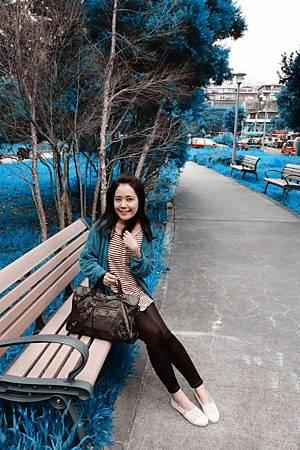 風好大,但腿很細~ 今天沒得拍,敬業在IKEA路邊公園阿寶色一下!