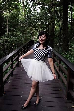 裙很美但光很爛
