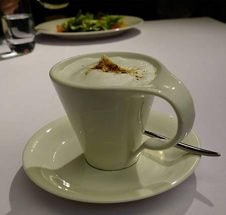 蘑菇濃湯很精緻