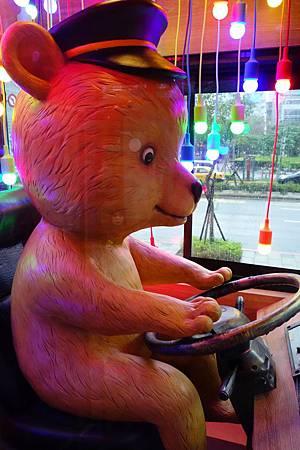 小熊司機!