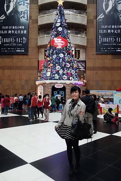 今年台鐵聖誕樹超遜!以前是第一名今年退步好多!