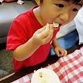 吹蠟燭吃蛋糕 (27).JPG
