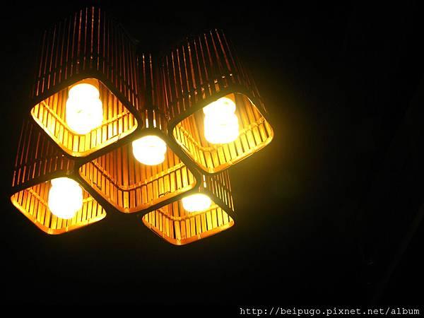 房間內燈.JPG