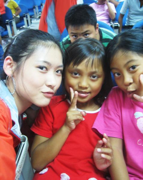 草埔國小三年級就只有我旁邊那兩個!!