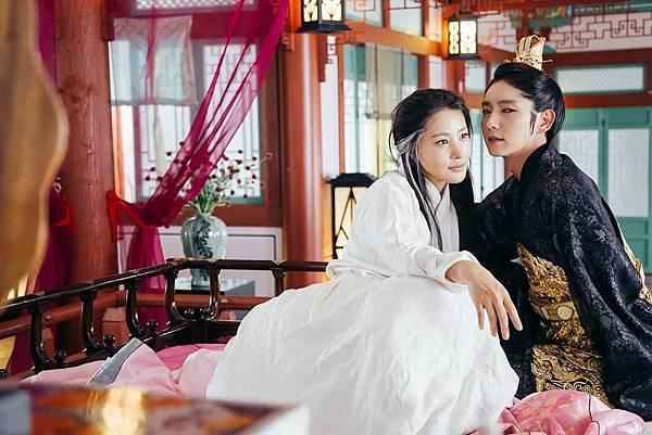 《步步驚心:麗》4王子和老媽.jpg