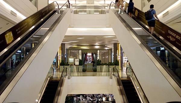 6華麗扶梯.jpg