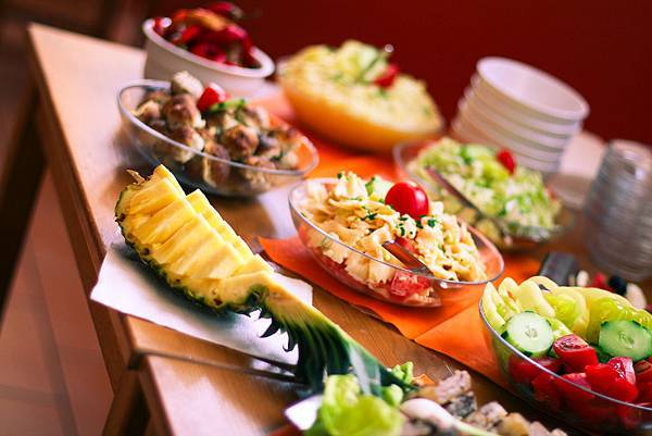 ananas-fresh-table-picjumbo-com.jpg