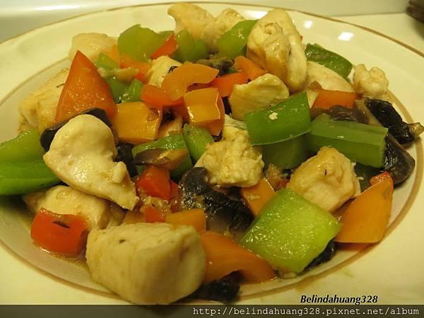甜椒蘑菇雞丁炒