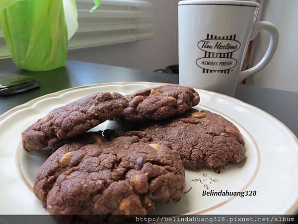 巧克力花生奶油粒餅乾