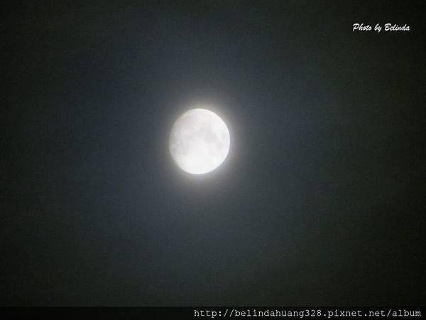 北極圈地帶八點的月亮20131114