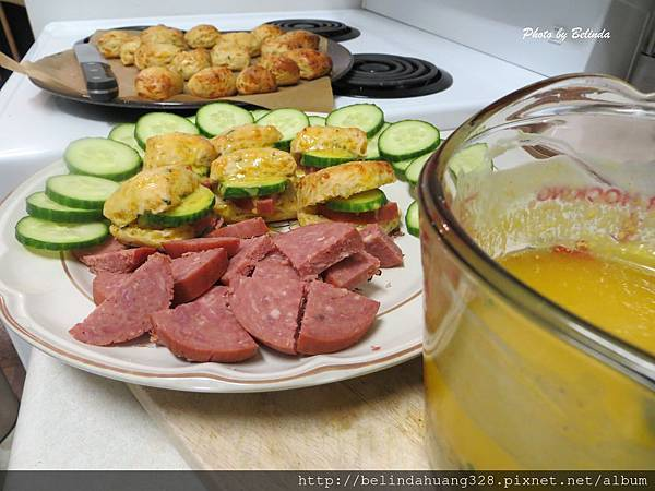 巧達起司小麵包佐黃芥末奶油Cheddar Cheese Biscuits with Maple Mustard Butter1
