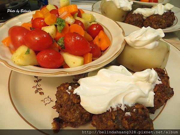 烤箱版烤牛肉丸子、蘋果醋醬薄荷蘋果時蔬沙拉1