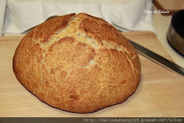 免揉的健康無油配方麵包加入松子
