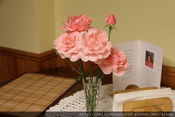 婆婆栽種的玫瑰花