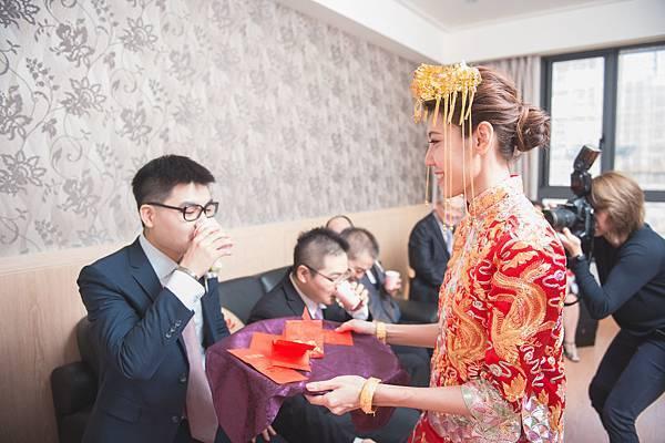EB-Wedding_0130.jpg