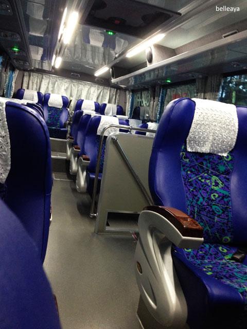[2013峇里島] 搭上客運前往桃機