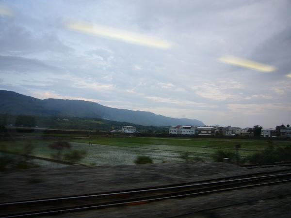左邊靠窗的景色