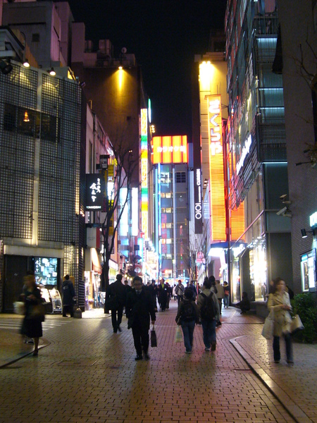 晚上來到新宿