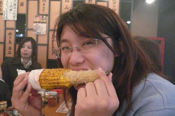 寶寶吃玉米