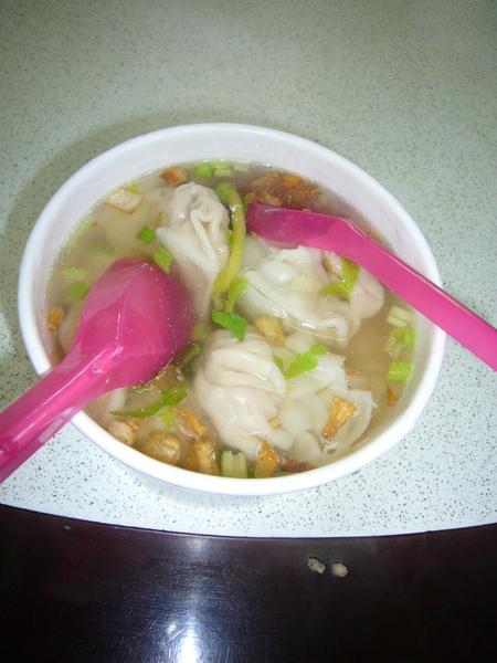 午餐-液香扁食