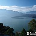 180度的完美湖景