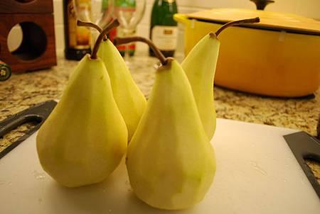 紅酒燉鴨梨 Poached Pears In Red Wine