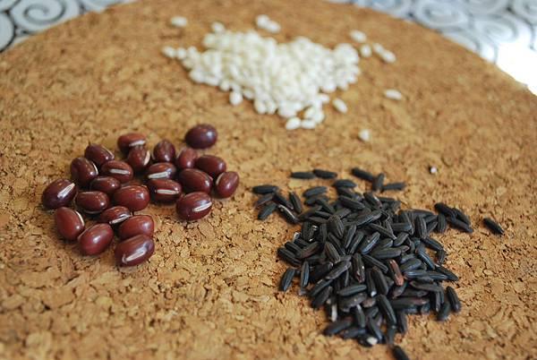 第一次煮紫米紅豆粥就上手 Black Sweet Rice w/ Red Bean Porridge