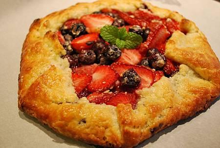 少年pie的奇幻漂流之免模型雙莓派 Strawberry and Blueberry Galette