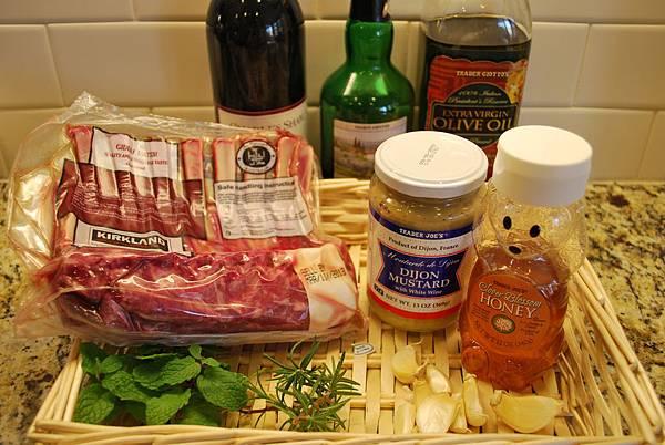 混搭風香草蜂蜜烤羔羊排 Herb Crusted and Honey Glazed Rack of Lamb