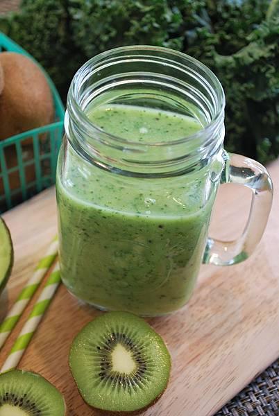 綠生活之奇異果酪梨甘藍蔬果昔 Kiwi, Avocado and Kale Smoothie