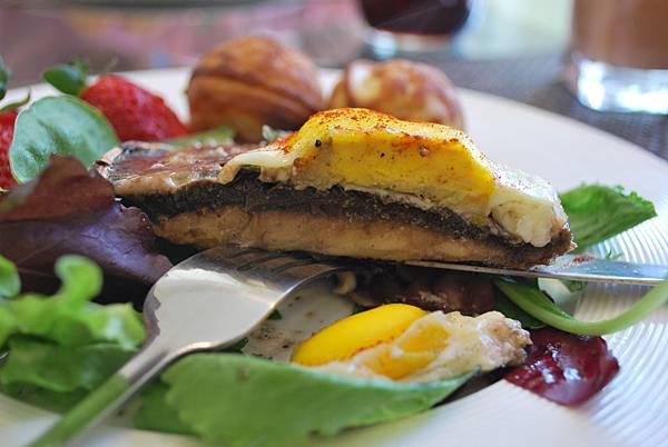 假掰早午餐之波特菇烤太陽蛋 Baked Egg in Portabella Mushroom